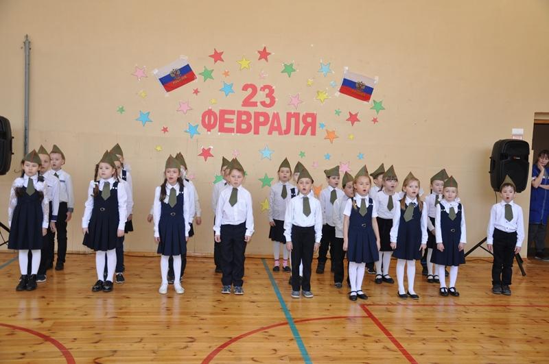 В Вурнарской школе №2 состоялся смотр песен на военную тематику