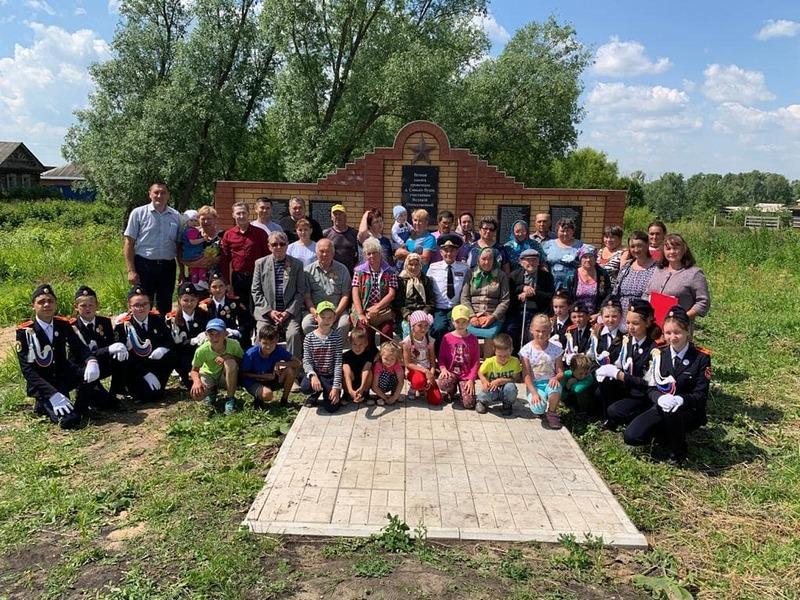 В Вурнарском районе открылся новый памятник участникам Великой Отечественной войны